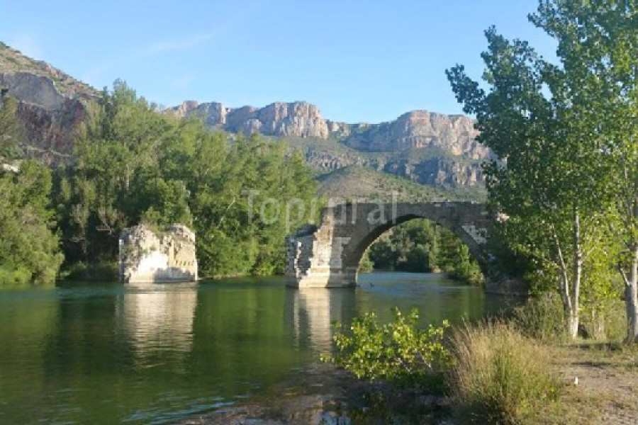 Pont Romà, Riu Segre